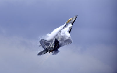 F22 GOING VERTICAL